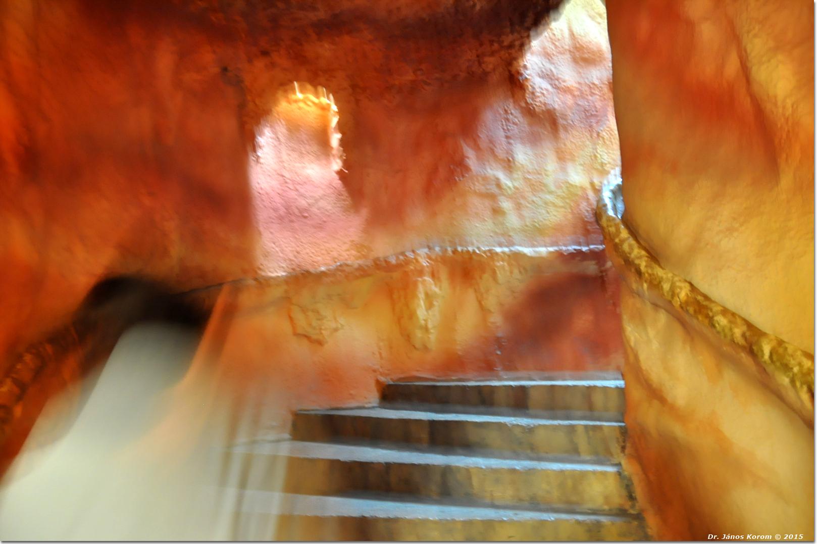 Treppenaufgang ins Licht